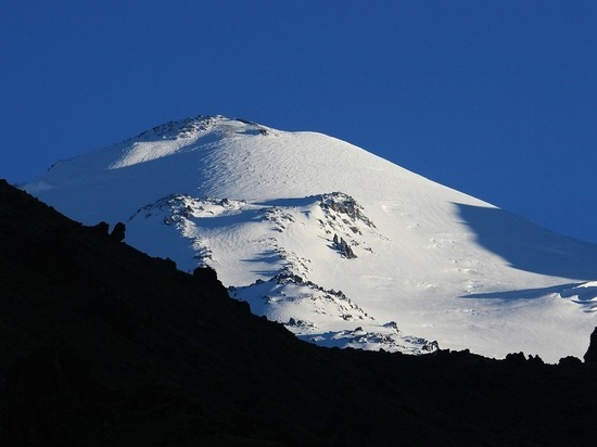 Спасатели получили информацию о всех 19 альпинистах, входивших в группу, которая запросила о помощи при восхождении на Эльбрус