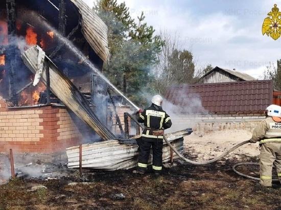Человек пострадал на пожаре дома в Калужской области