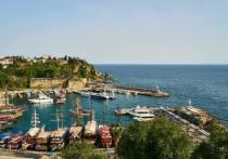 ВТБ: жители СЗФО вдвое увеличили туристические траты за границей в «бархатный сезон»