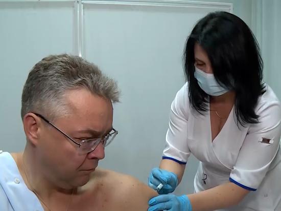 Губернатор Ставропольского края Владимир Владимиров показал на личном примере необходимость и безопасность прививки от гриппа