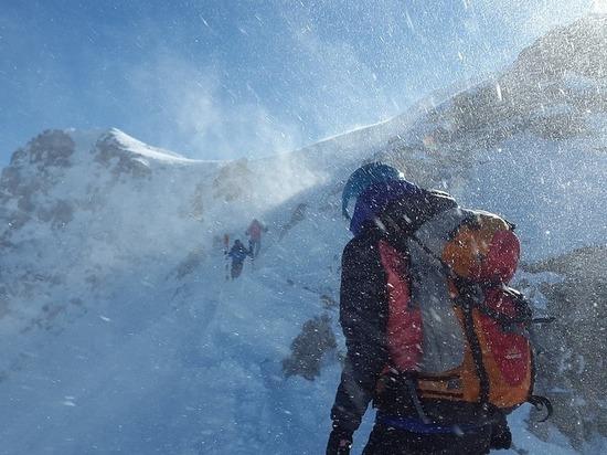 Альпинистов на Эльбрусе погубила «черная метель»