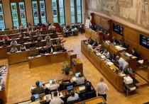 Скандальный закон «об олигархах» вчера впопыхах был принят Верховной радой Украины