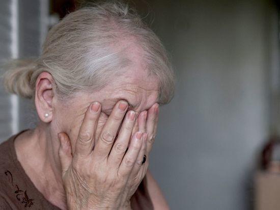 Мошенники ложью выманили у пенсионерки 150 тысяч рублей в Ленобласти