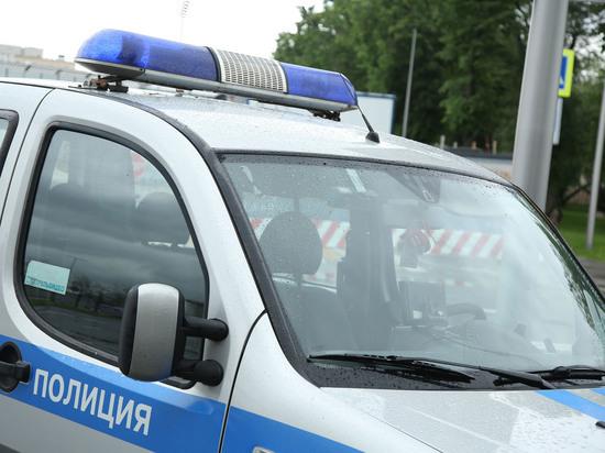 Полиция оцепила школу Уфы из-за учителя с электронным оружием