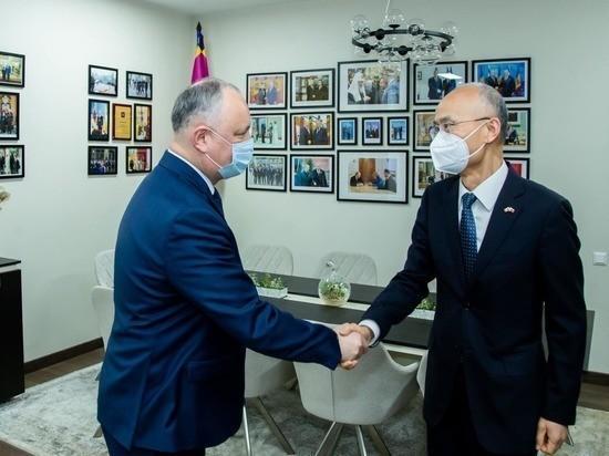 Игорь Додон выразил благодарность Послу КНР в Молдове Чжану Инхуну
