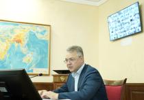 Губернатор Ставропольского края Владимир Владимиров поручил продлить действие стимулирующих выплат медикам, работающим с пациентами, зараженными коронавирусом
