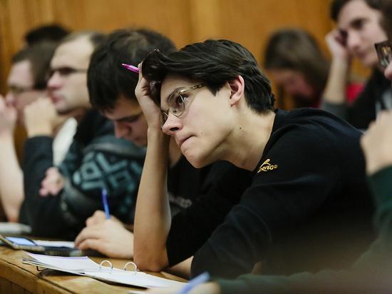 Минобрнауки: 145 тысяч иностранных студентов не могут въехать в Россию