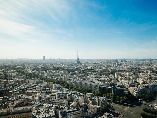На границе Парижа решили построить стену для борьбы с наркоманами