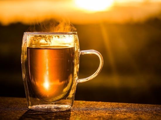 Гастроэнтеролог предупредила россиян о связи горячего чая и онкологии