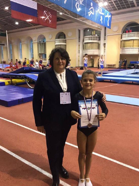 Серебро всероссийских соревнований по прыжкам на батуте завоевала юная «медведица» из Нового Уренгоя