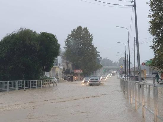 Ливни затопили три поселка в Сочи