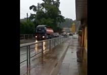 На затопленной трассе в Сочи восстановили движение