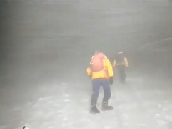Двух пострадавших на Эльбрусе альпинистов выписали из больницы