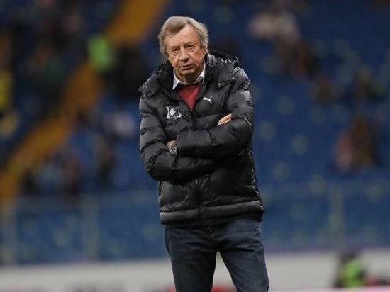 Футбольный клуб «Ростов» и тренер Юрий Семин объявили о прекращении сотрудничества. Знаменитый тренер, побеждавший в чемпионатах России и Украины, подал в отставку, которую клуб принял.
