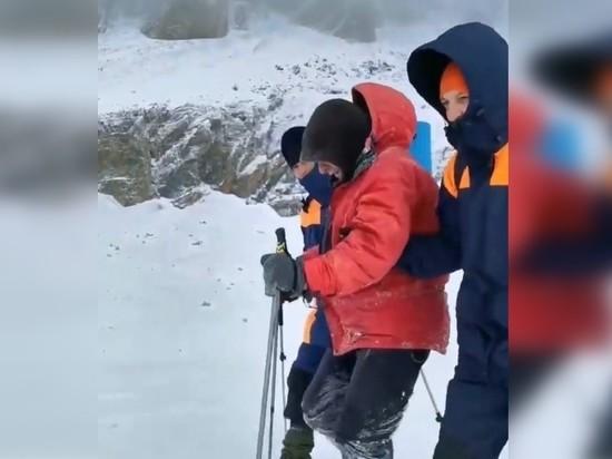 Спасатели нашли петербургского 82-летнего туриста, блуждавшего семь суток по горам Архыза