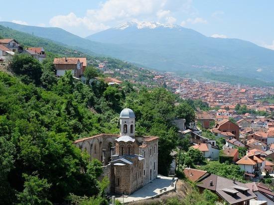 Глава Евросовета призвал к деэскалации в Косово
