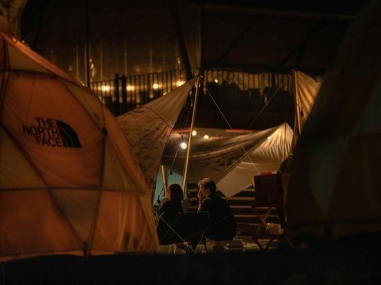 На севере Чили протестующие сожгли палатки нелегальных мигрантов