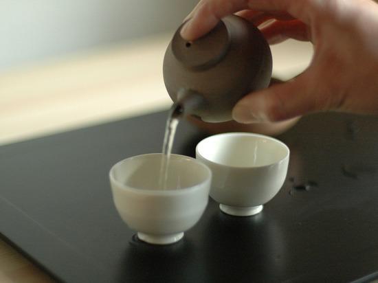 Японский эксперт объяснил, как зеленый чай защищает от деменции и рака