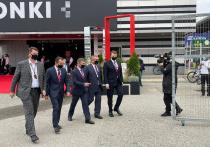 Глава региона Вениамин Кондратьев посетил «Формулу-1»