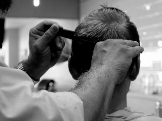 Талибы запретили мужчинам посещать барбершопы и брить бороды