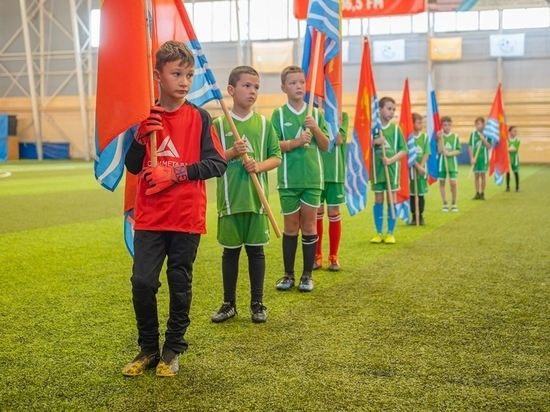 Соревнования по мини-футболу среди детей начались в Магадане
