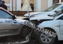 В Астрахани утром, 27 сентября, произошла массовая авария