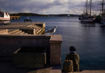 Норвежской полиции в минувшее воскресенье пришлось попотеть, пытаясь изо всех сил поддерживать порядок после неожиданной отмены продолжительных ограничений, связанных с COVID-19