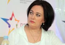 Актриса и ведущая программы «Давай поженимся» Лариса Гузеева попала в московскую больницу в Коммунарке с подозрением на коронавирус