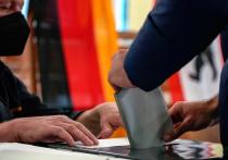 По итогам подсчета голосов на прошедших в воскресенье в Германии выборах с незначительным отрывом от консервативного блока ХДС/ХСС («партия Меркель») лидирует Социал-демократическая партия