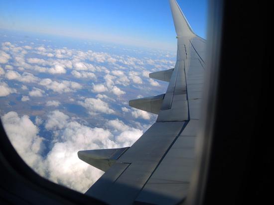 Молния ударила в самолет, выполнявший рейс Екатеринбург — Сочи