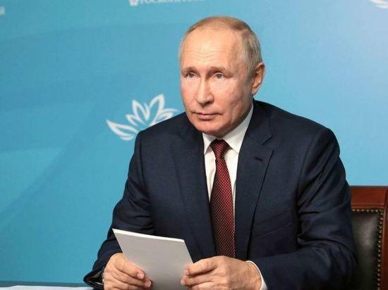 Путин решил уменьшить число контрольных работ в школах