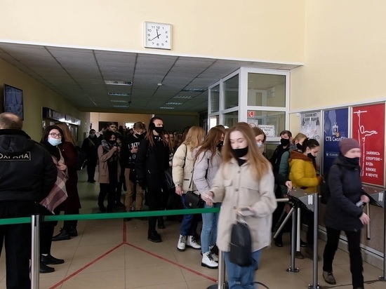 Студенты Смоленского госуниверситета высказали свое мнение об идее усиления мер безопасности в учебных заведениях