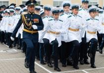 В Ставропольском президентском кадетском училище состоялись празднование 10-летия училища и торжественная церемония посвящения в кадеты воспитанников СПКУ