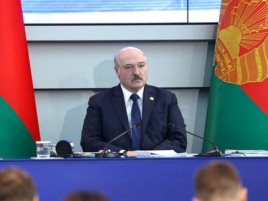 Лукашенко подвел предварительные итоги работы над новой конституцией