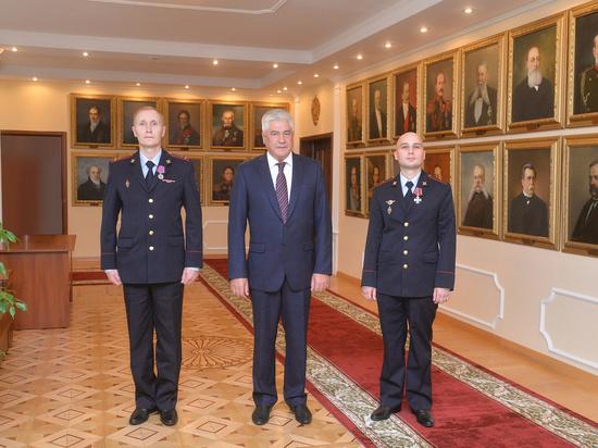 """Колокольцев наградил обезвредивших """"пермского стрелка"""" полицейских"""