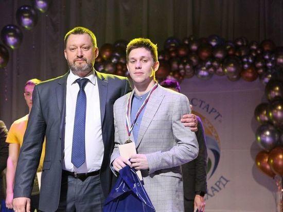 Звание мастера спорта России получил пловец из Салехарда