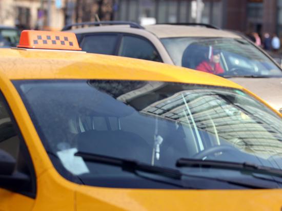 Сотрудники таксопарков прокомментировали новые запреты