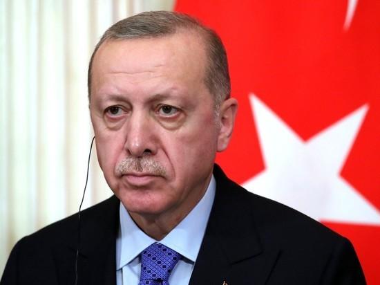 Bloomberg: Эрдоган попросит Путина помочь решить проблему с курдами