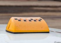 Пассажиры такси устроили потасовку с водителем в кемеровском кафе
