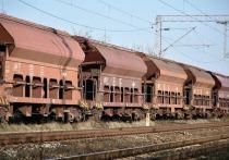 В новокузнецком депо вспыхнули железнодорожные вагоны