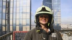 Пожарные научили корреспондента тушить пожары в высотках: учения в Москва-Сити