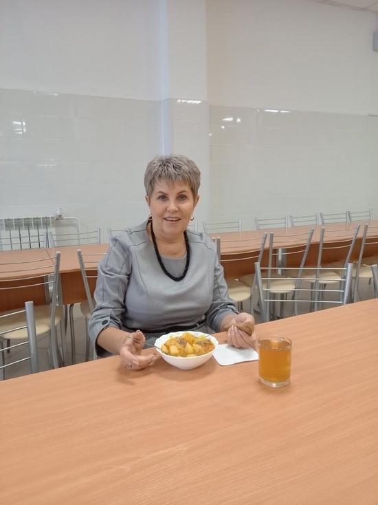 Зам. мэра Кызыла  проверила  качество питания в школе после жалобы