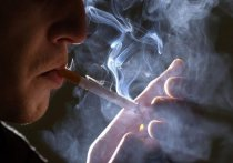 Диетолог Соломатина назвала главный витамин для курильщиков