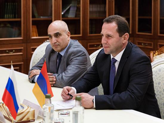 Экс-министра обороны Армении отдали под суд за хищение 4,6 миллиона долларов