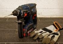 Недовольный зарплатой ремонтник в Чите решил украсть инструменты