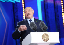 Лукашенко назвал Тихановскую «персонажем в женском роде»