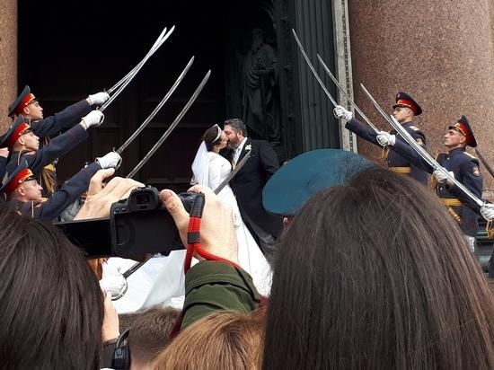 Церемония в русской церкви с иностранным акцентом