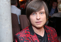37-летний артист Прохор Шаляпин стал вдовцом: его 42-летняя супруга Татьяна Дэвис, гражданка Канады, проживающая в США, скончалась от коронавируса