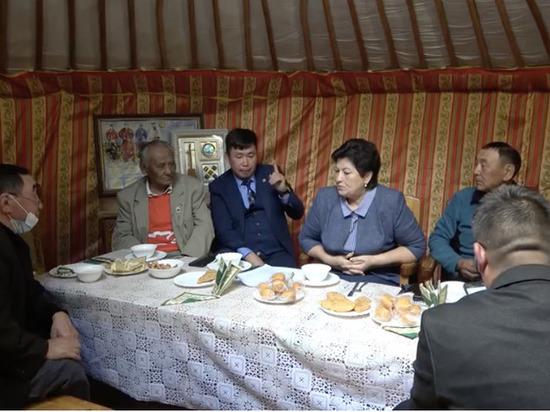 В мэрии планируют издать  книгу о почетных жителях Кызыла