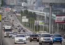 Дорожники сняли асфальт на Октябрьском мосту Новосибирска для переделки ремонта